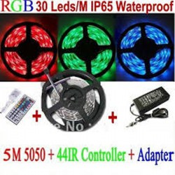 Kit Strip Led 5m con Controller e Adattatore